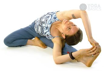Parivrtta Janu Sirsasana • Revolved Head to Knee