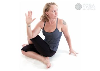 Half lord of the fishes (Version B) / Ardha matsyendrasana B