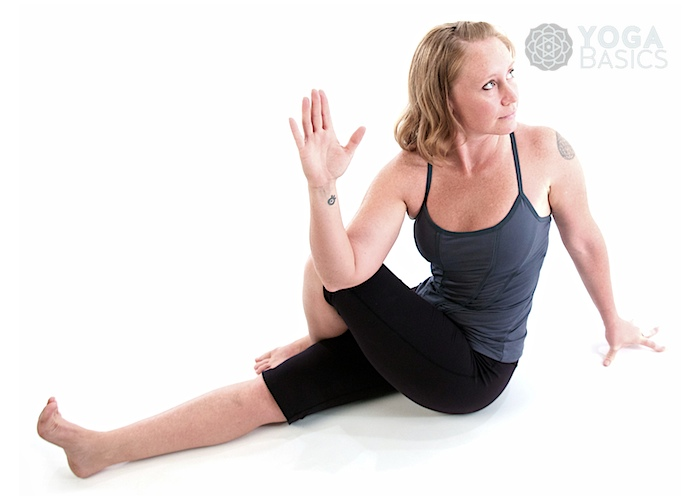 Half lord of the fishes (Version A) / Ardha matsyendrasana A